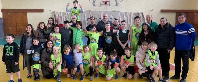 В баскетбольной школе «Одессит» провели новогодний праздник