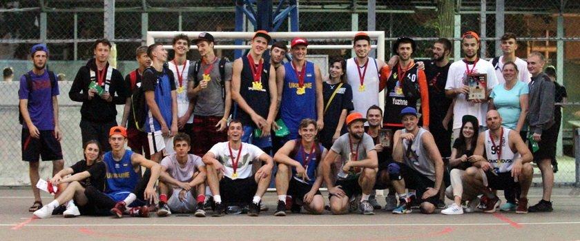 Одесские баскетболисты отпраздновали День города ярким турниром: отчет о Кубке ООФБ