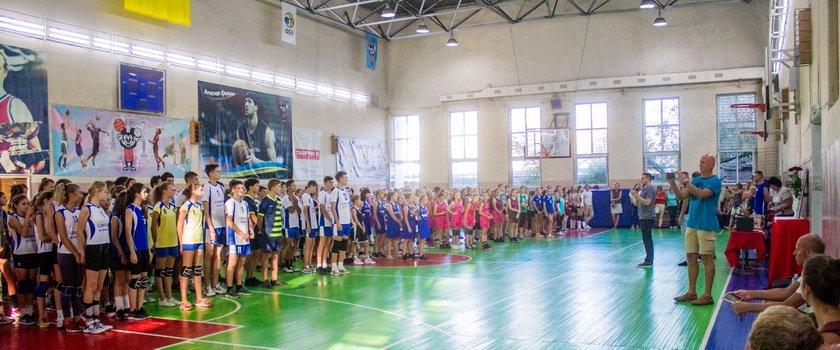 Восстановление формы и борьба за каждый мяч: в Одессе стартовал 6-й турнир памяти Бориса Литвака