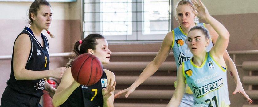 «ИнтерХим-2» дома обменялся победами с баскетболистками столичного КСЛИ