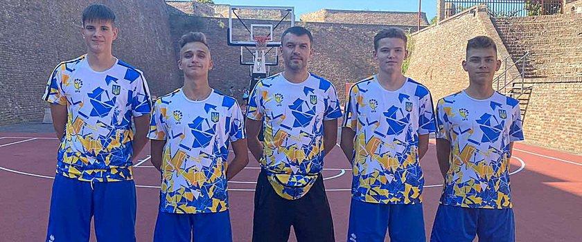 Одесситы в составе сборной Украины отправились на Всемирные школьные игры